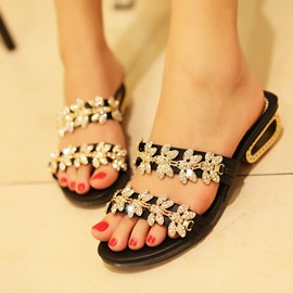Classical Black Rhinestone Low Heel Slippers
