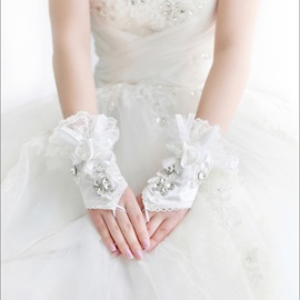 Comely Lace Rhinestone Flowers Wedding Gloves