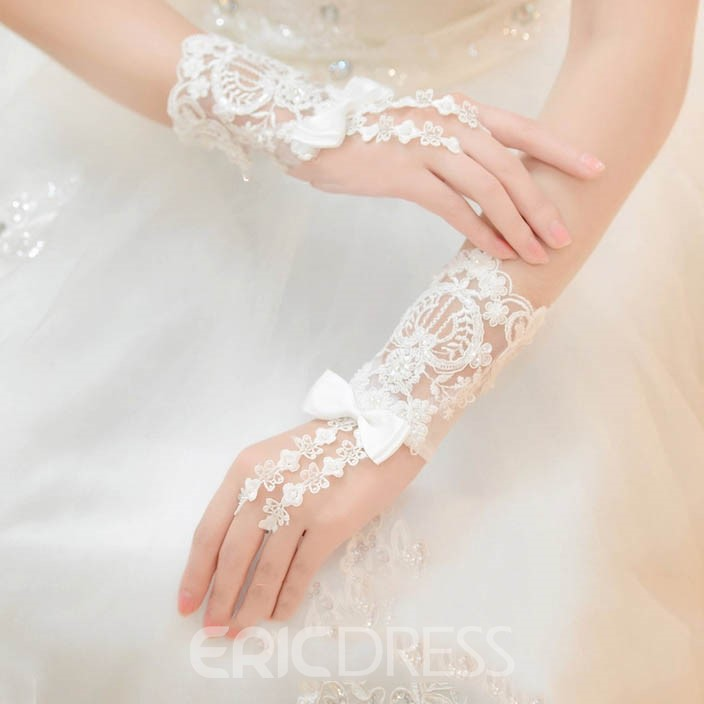 Beautiful Lace Bowknot Ivory Wedding Gloves