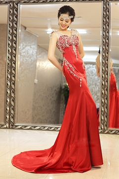 Luxurious Trumpet Rhinestone V-Neck Evening Dress