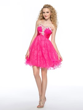 Sweet A-line Sweetheart Beading Appliques Knee-length Homecoming Dress