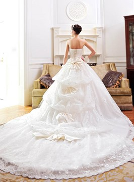 Luxury Strapless Lace Bowknot Cathedral Wedding Dress