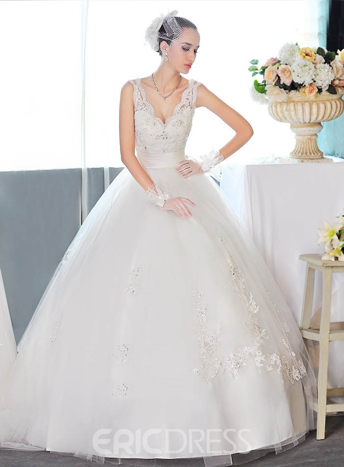 Charming Ball Gown V-Neck Appliques Wedding Dress
