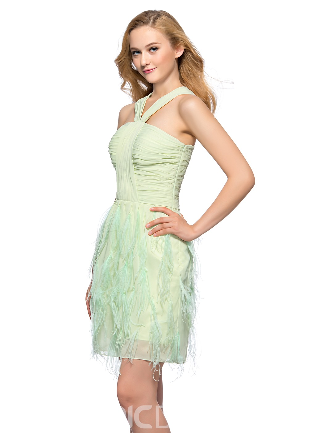 Pretty Sheath Halter Ruched Homecoming Dress