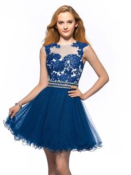 Graceful A-line Bateau Neck Lace Appliques Homecoming Dress