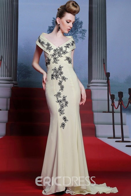 Gorgeous V-Neck Short Sleeves Embroidered Mermaid Evening Dress