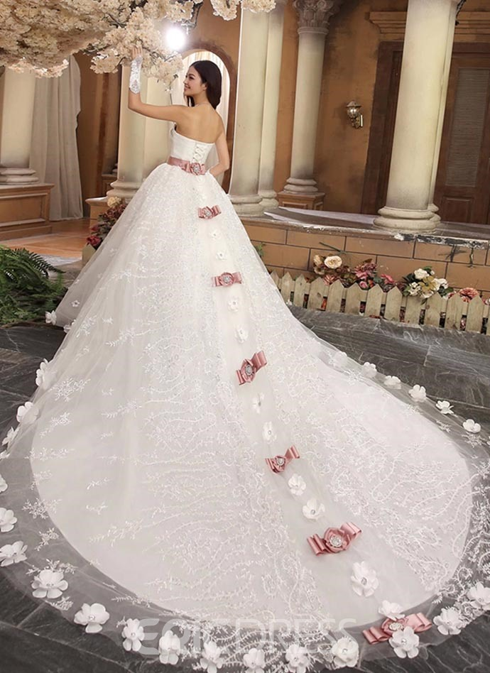 Gorgeous Ball Gown Sweetheart Beading Cathedral Wedding Dress ...