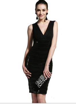 Epidemic Sheath V-Neck Knee Length Sequins Cocktail Dress