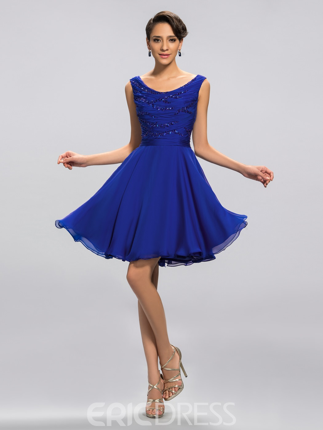 Charming Scoop Neck Beading Knee-Length Cocktail Dress