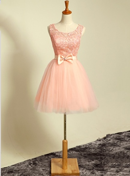 Scoop fraîche lacets creux dos Bow Homecoming/Sweet 16 robe