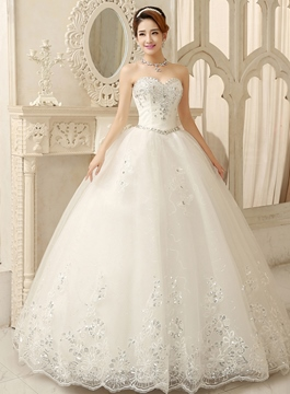 Unique Sweetheart Appliques Beading Ball Gown Wedding Dress
