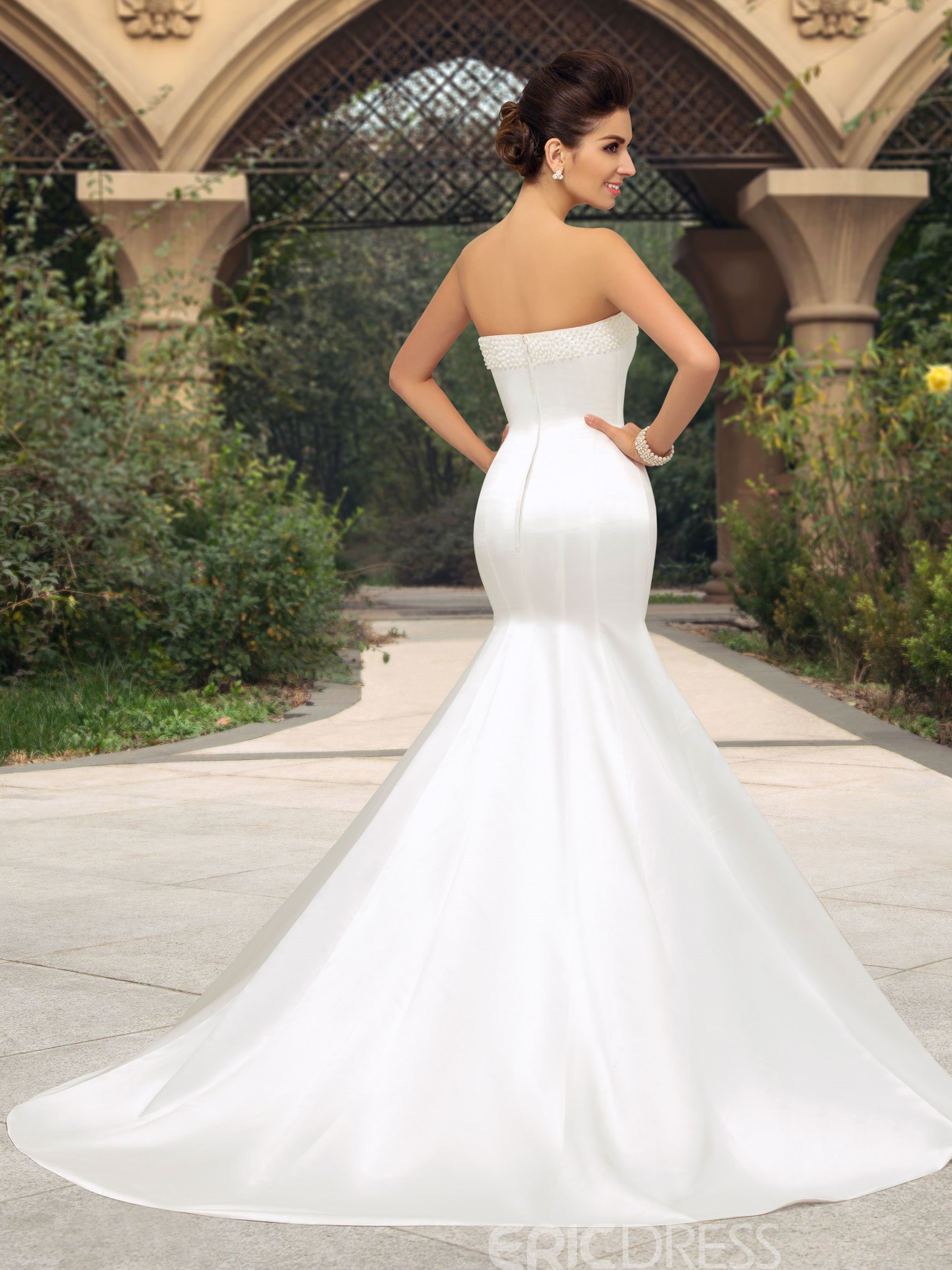 Concise Strapless Pearl Court Train Mermaid Wedding Dress