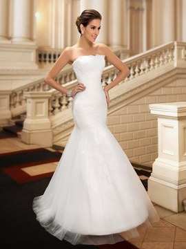 Strapless Floor Length Ruched Mermaid Lace White Wedding Dress