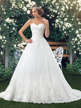 Sweetheart A-Line Appliques Long Wedding Dress