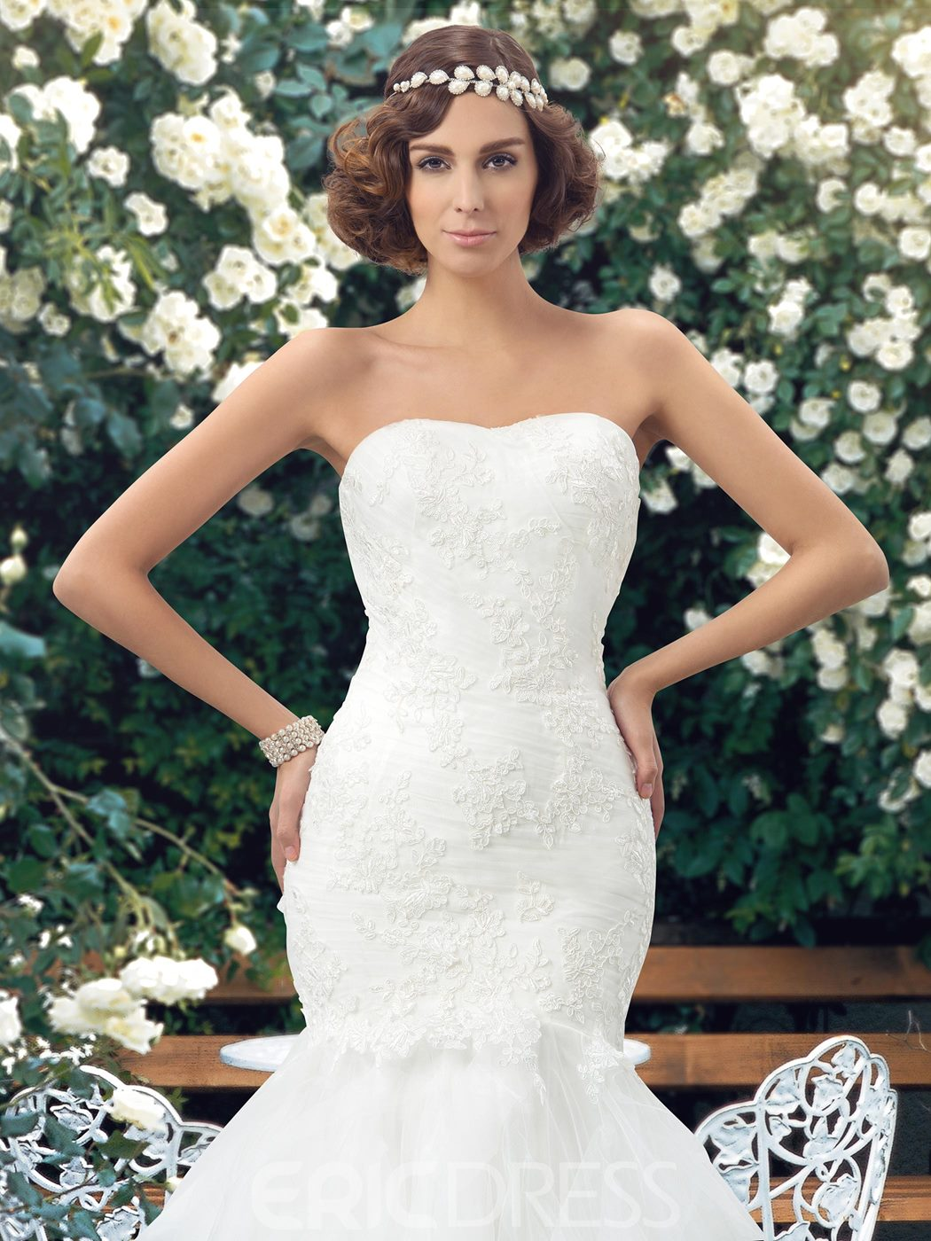 Sweetheart Appliques Court Train Mermaid Wedding Dress
