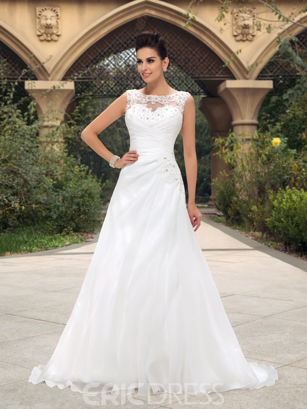 Beaded Lace Appliques A-Line Zip-up Wedding Dress