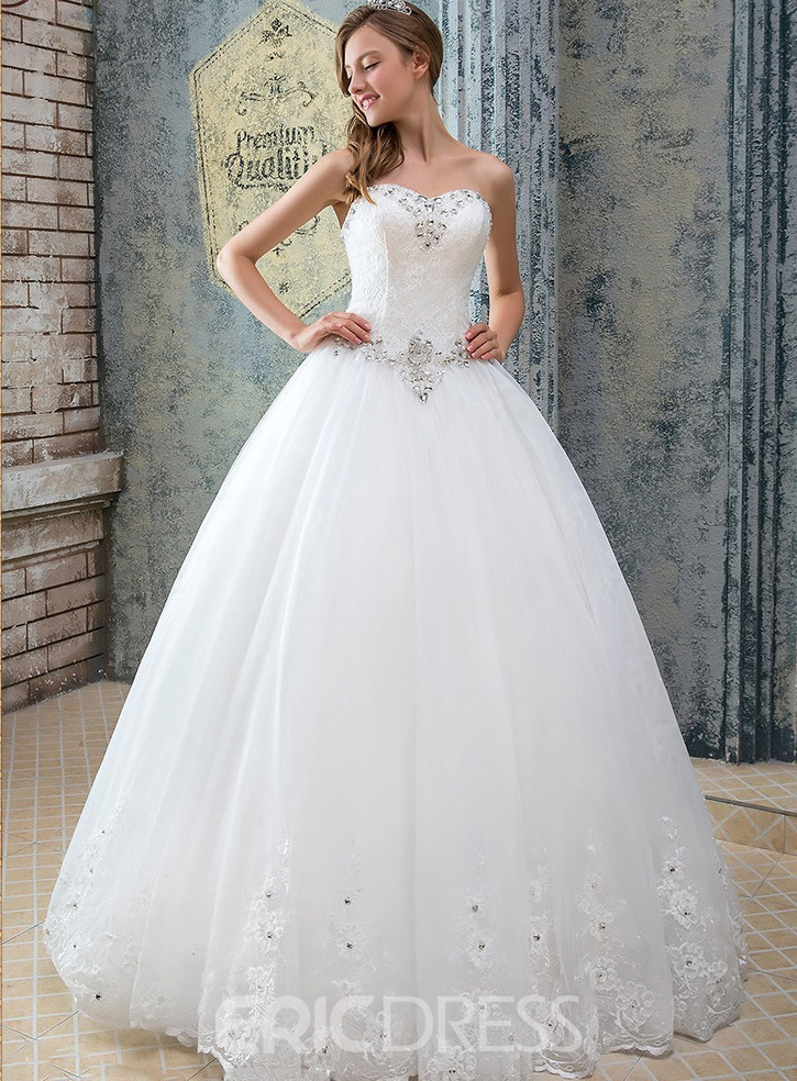 Classy Sweetheart Lace Ball Gown Wedding Dress