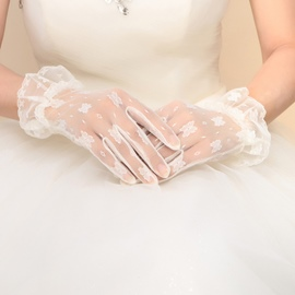 Classy Free Size Lace Wedding Gloves