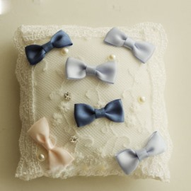 Clourful Bowknot Ring Pillow With Lace Pearl