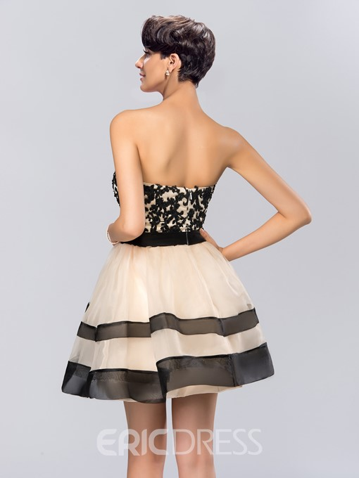 A-line Sweetheart Appliques Short Cocktail Dress