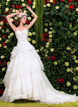 Ericdress Charming Appliques Strapless Wedding Dress