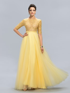 Charming Bateau Neck Sheer Lace Half Sleeve Evening Dress