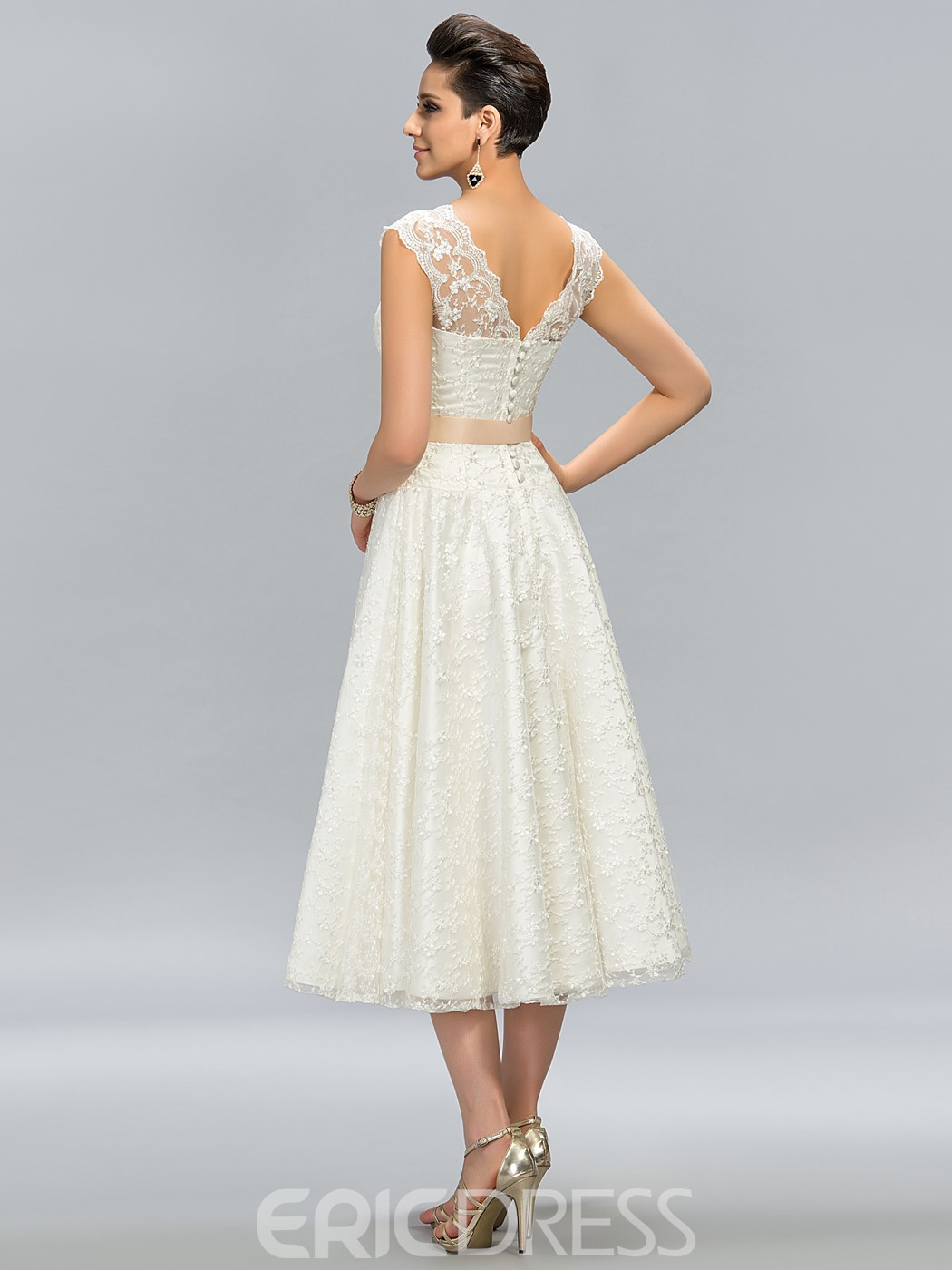 Fantastic A-Line Lace Jewel Neck Tea-Length Junior Prom Dress