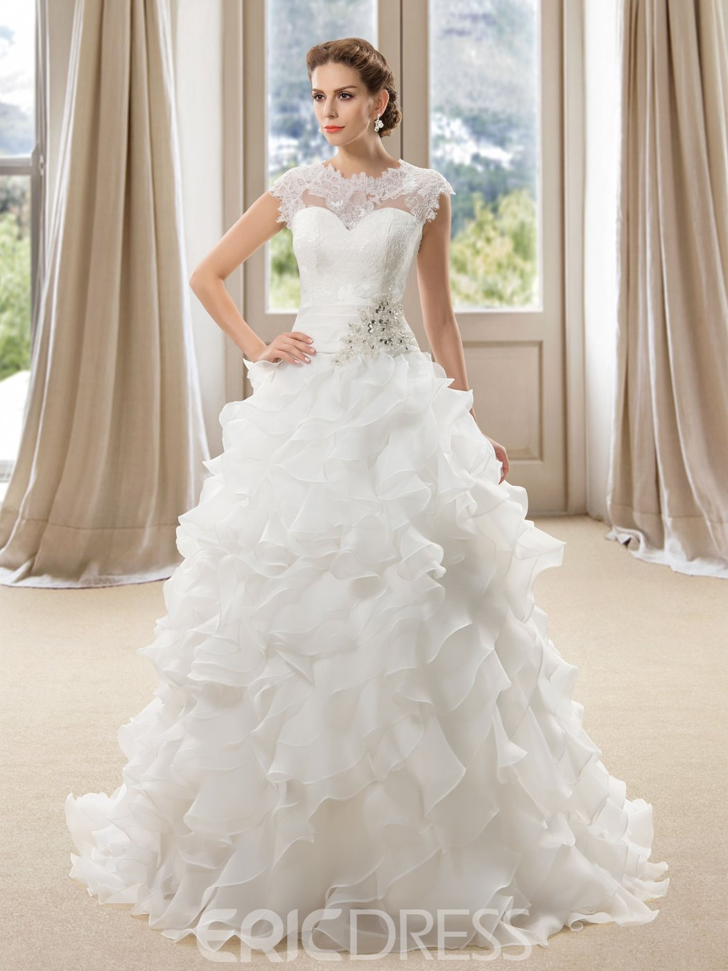 Charming Lace Appliques Tiered Beading Button Wedding Dress