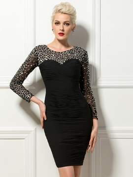 Charmante robe de Cocktail courte gaine Scoop cou