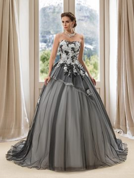 Charming Sweetheart Appliques Court Train Ball Gown Wedding Dress