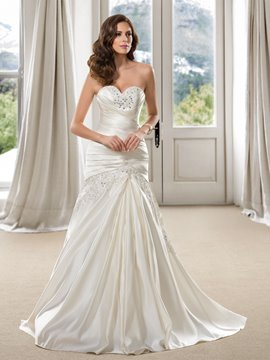 Graceful Trumpet Sweetheart Beaded Pleats Wedding Dress