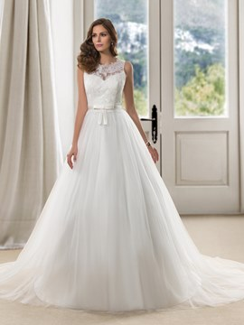 Charming Scoop Neck Lace Court Train A-Line Wedding Dress