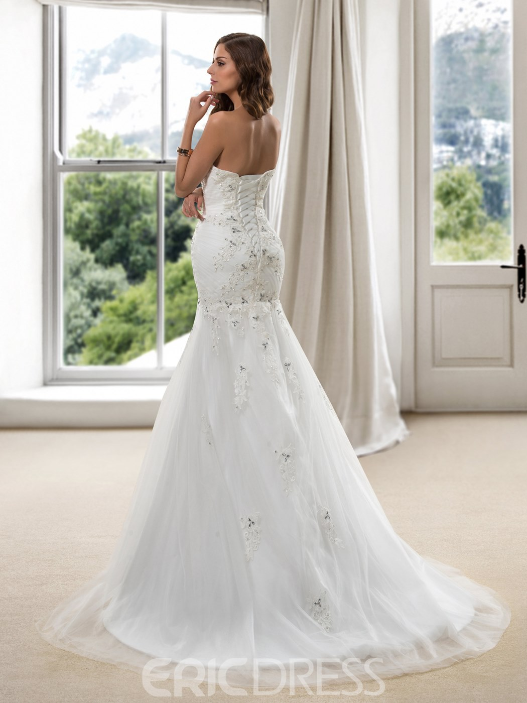Charming Beaded Sweetheart Lace Appliques Mermaid Wedding Dress