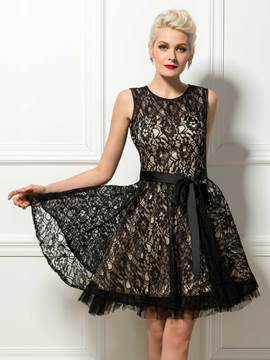Jewel Neck A-Line Black Lace Cocktail Dress