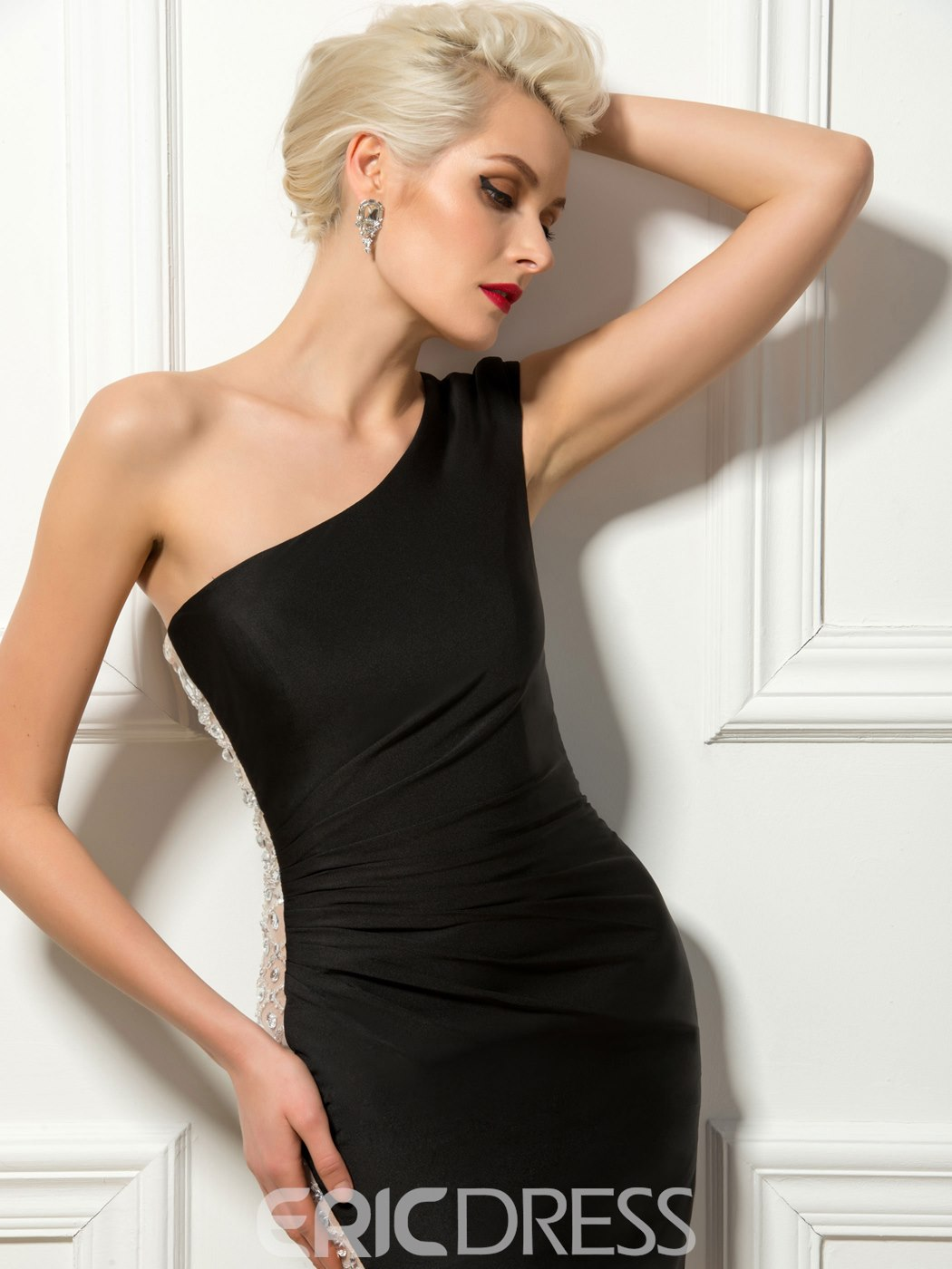 Concise Ruched One Shoulder Sheath Cocktail Dress