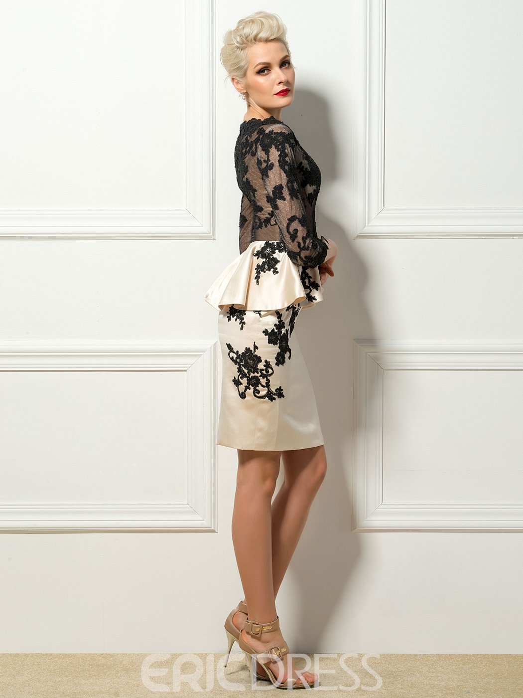 Sexy Scoop Neck 3/4 Sleeves Knee-Length Cocktail Dress