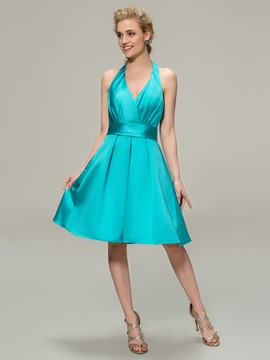 Pretty Halter A-Line Knee Length Bridesmaid Dress