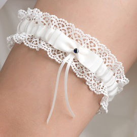 Pretty Ivory Bowknot Lace Wedding Garter