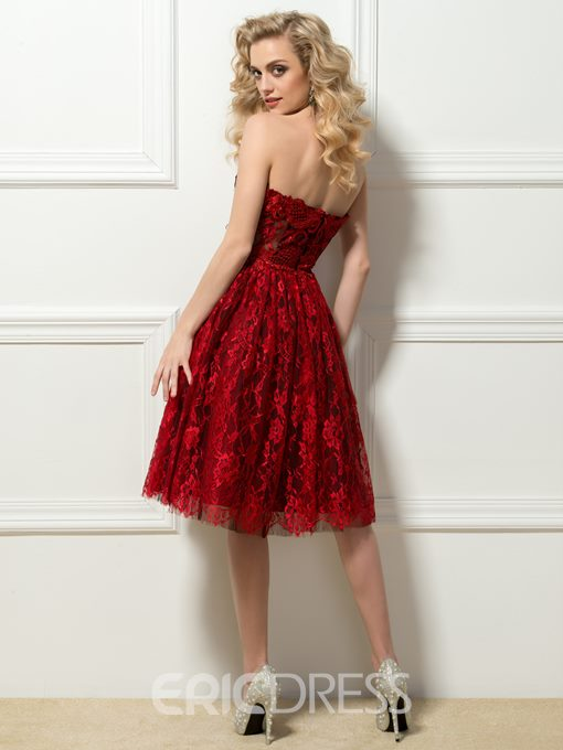 Amazing Sweetheart Lace Appliques Knee-Length Cocktail Dress