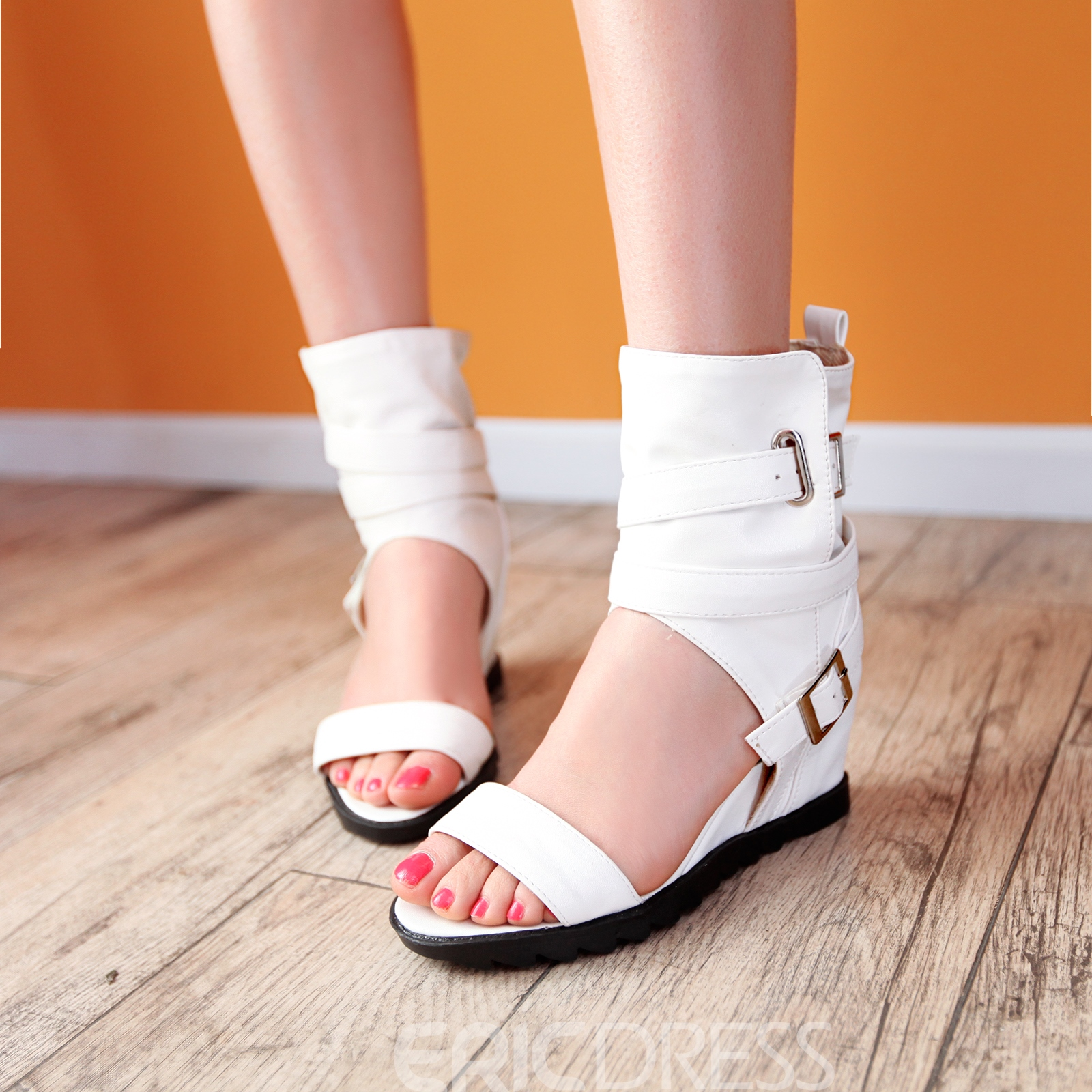 Fashion Buckle Decoration Flat Sandals