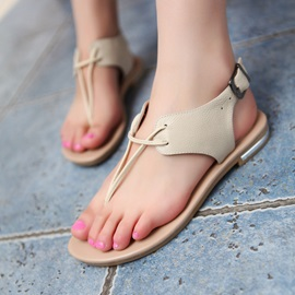Simple Clip-toe Flat Sandals with Buckles