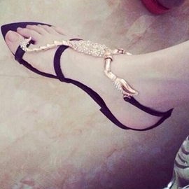 Scorpion Shape Thong Flat Sandals