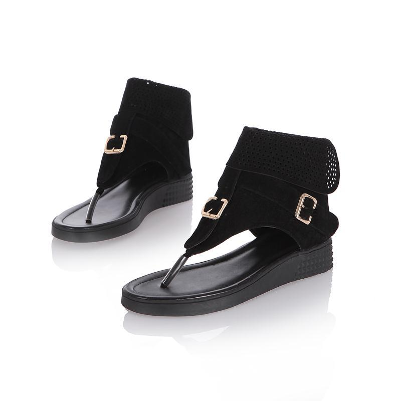 Cool Thong Flat Sandals with Buckle