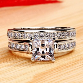 Graceful Square Shaped NSCD Diamond D1.00ct Pt950 Engagement/Wedding Ring Set