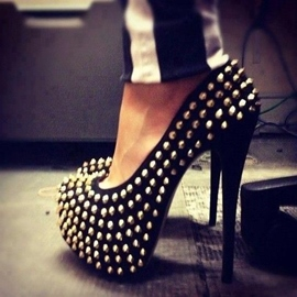 Cool Rivets Round-toe Stiletto Heel Pumps