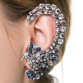 Exaggerating Flower Shaped Rhinestone Ear Cuff