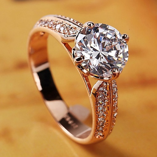 Luxurious Rhinestone Decorated Golden Ring