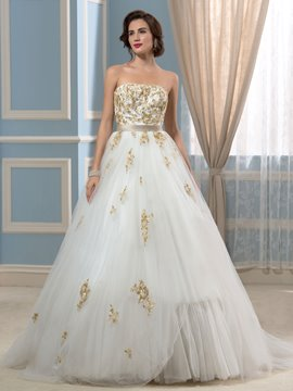 Ericdress Elegant Strapless Appliques A Line Wedding Dress