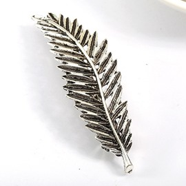 Retro Style Leaf Shaped Hair Clip