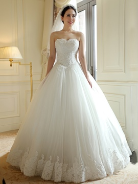 Ericdress Elegant Sweetheart Appliques Ball Gown Wedding Dress